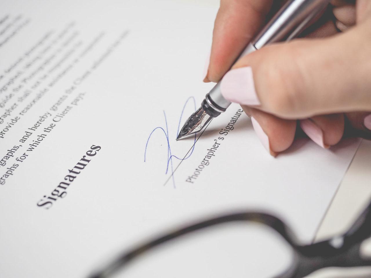 Droits des contrats : droits de la responsabilité contractuelle et droit de la responsabilité.